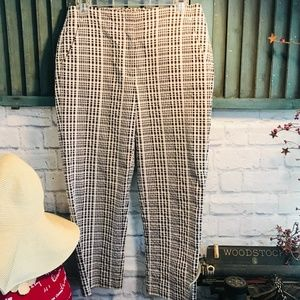 Talbot's Black and White Plaid Capri Size 6 EUC